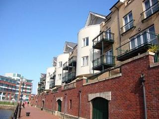 Bay View Apartment - 39367, Cardiff