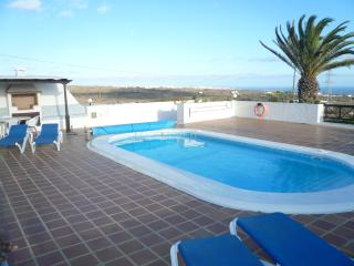 Enjoy sunbathing and swimming with pleasant views of the sea and the village of Tias