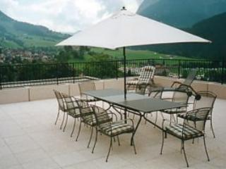 Alfresco dining for summer luncheon or chill out on the loungers and work on the sun tan
