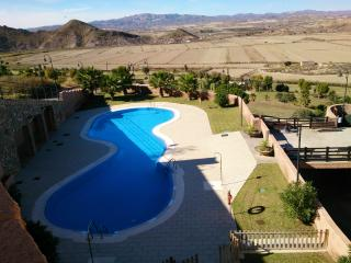 GREAT NEW 3 DORM APT UP TO 10  PEOPLE, Cabo de Gata