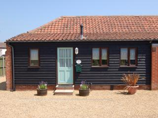 Adelaide cottage in seaside village of Bacton