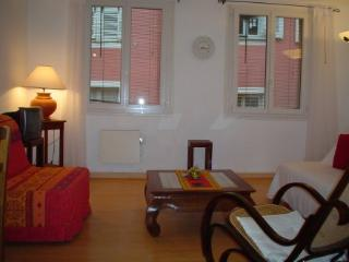 Bright and sunny apartment for rent in Nice Old Town, Nizza