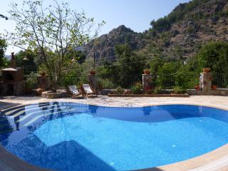 Villa Han, Orhaniye, sleeps 8/9, quiet retreat