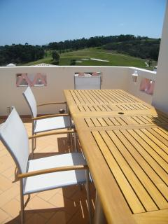 Roof deck with seating for eight