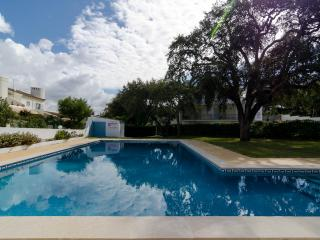 Villa in Albufeira with pool, Olhos de Agua