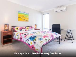 H4 Luxury Family Room 4km to Perth city, East Victoria Park