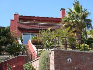 Beautiful villa near the park with seeview, Calella
