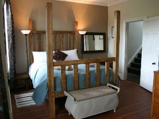 Master bedroom with four poster, luxury en suite with walkin shower.
