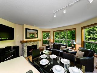 Aspens #127, 2 Bdrm, Ski-in Ski-out, Serene Forest View, Free Wifi, Whistler