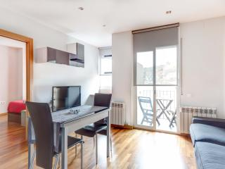 Lovely and Sunny flat in Poble Sec, Barcelona