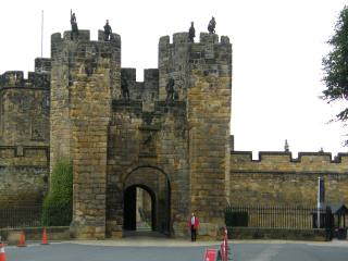 The Middle'In, Alnwick