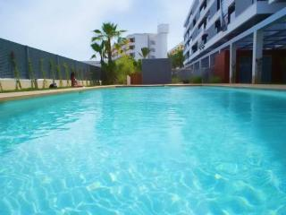 Luxury flat in Marina Botafoch with air con,pool, Ibiza Town