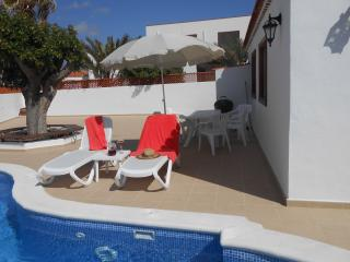LUXURY SUNNY VILLA WITH POOL, Tenerife