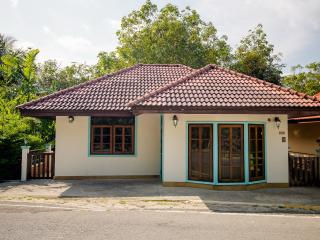 House with 2 Bedrooms Uphill, Patong