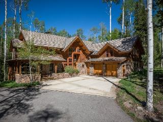 Highlands Way - 5 Bd / 6.5 Ba - Sleeps 19 - Deluxe Ski Area Vacation Home - Located adjacent to the Lower Galloping Goose ski run, Mountain Village