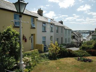 DOT'S COTTAGE, Instow