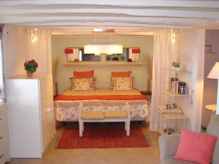 ROMANTIC and COZY apartment, Funchal
