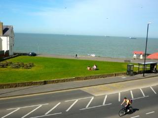 Ocean Views holiday apartment, 5 bedrooms, Margate