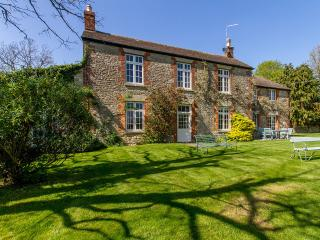 Large Victorian Farmhouse nr Oxford - Oct offers, Witney