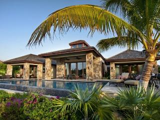 Bella Beach Villa - Beach Front - 6 Bedrooms, Nail Bay