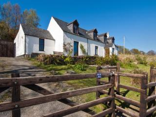 Park Cottage with beautiful Sea views, Lochcarron
