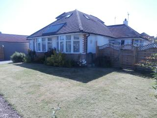 Near beach and new forest 3 large bedrooms WiFi, Walkford