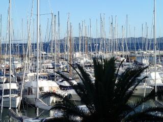Superbe appartement PORT HYERE, Hyeres