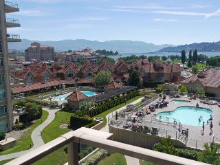 Gorgeous pool and lakeview suite on the 7th floor, Kelowna