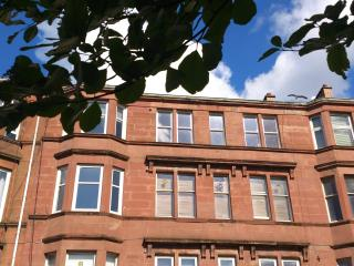 Lovely Apartment near Glagow Green, with wifi, Glasgow