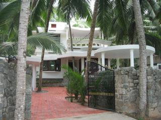 villa lake view ( with pool), Kovalam