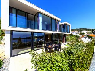 Luxurious Beachfront Villa 4, Primosten