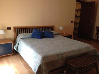 Large apartment behind the Colosseum - Monti, Roma