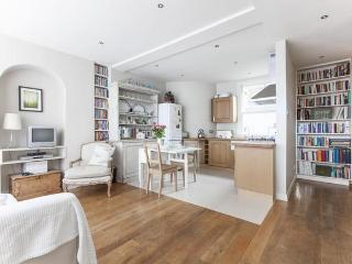Ivor Place 2 - by onefinestay, London