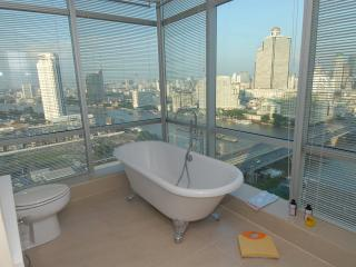 TheRiverSideBangkok - Fantastic golden river views