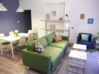 Adorable Apartment with 2 Bedrooms and 2 Bathrooms, Krakow