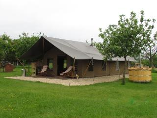 Luxury Camping at Woodhouse Farm (Hedgerow), Bewdley