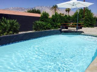 Mid-Century pool home in South Palm Springs!