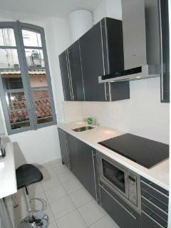The fully equipped kitchen - even includes a dishwasher