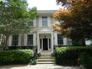 GORGEOUS Inman Park house with amazing decks!, Atlanta