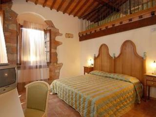 CHARMING ROOM WITH POOL NEAR THE SEA, Cecina