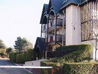 COTE NORMANDE 14710 CABOURG APPARTEMENT 2 CHAMBRES, Cabourg