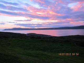NEW 2014!! Julia's: Stunning panoramic bay view!, Schull