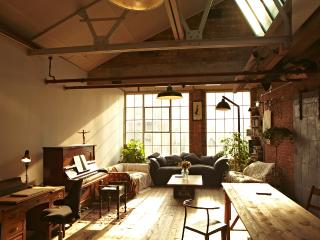 Sunny Warehouse Loft, London