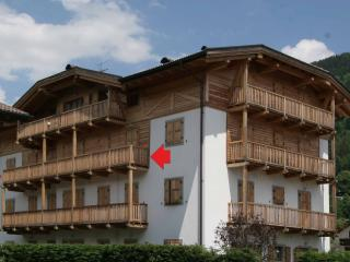 Lovely Apartment with Balcony - apt n.5, Pinzolo
