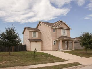 Great Furnished 3 Bedroom Home In Austin