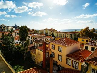 The old towm apartment, Bela Santiago 3.6 - Madeira vacation rentals