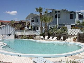 Amazing for Families 2 Floor Townhouse-great views, New Smyrna Beach