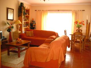 Spacious and private appartment by the sea, Carvoeiro