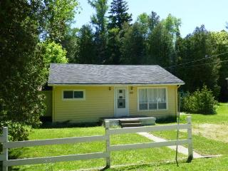 3 bedroom cottage for rent in Sauble Beach (S.S) - Sauble Beach vacation rentals