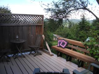 Sparrow Haven  ~ Peaceful Comfort Close to Town!, Salt Spring Island